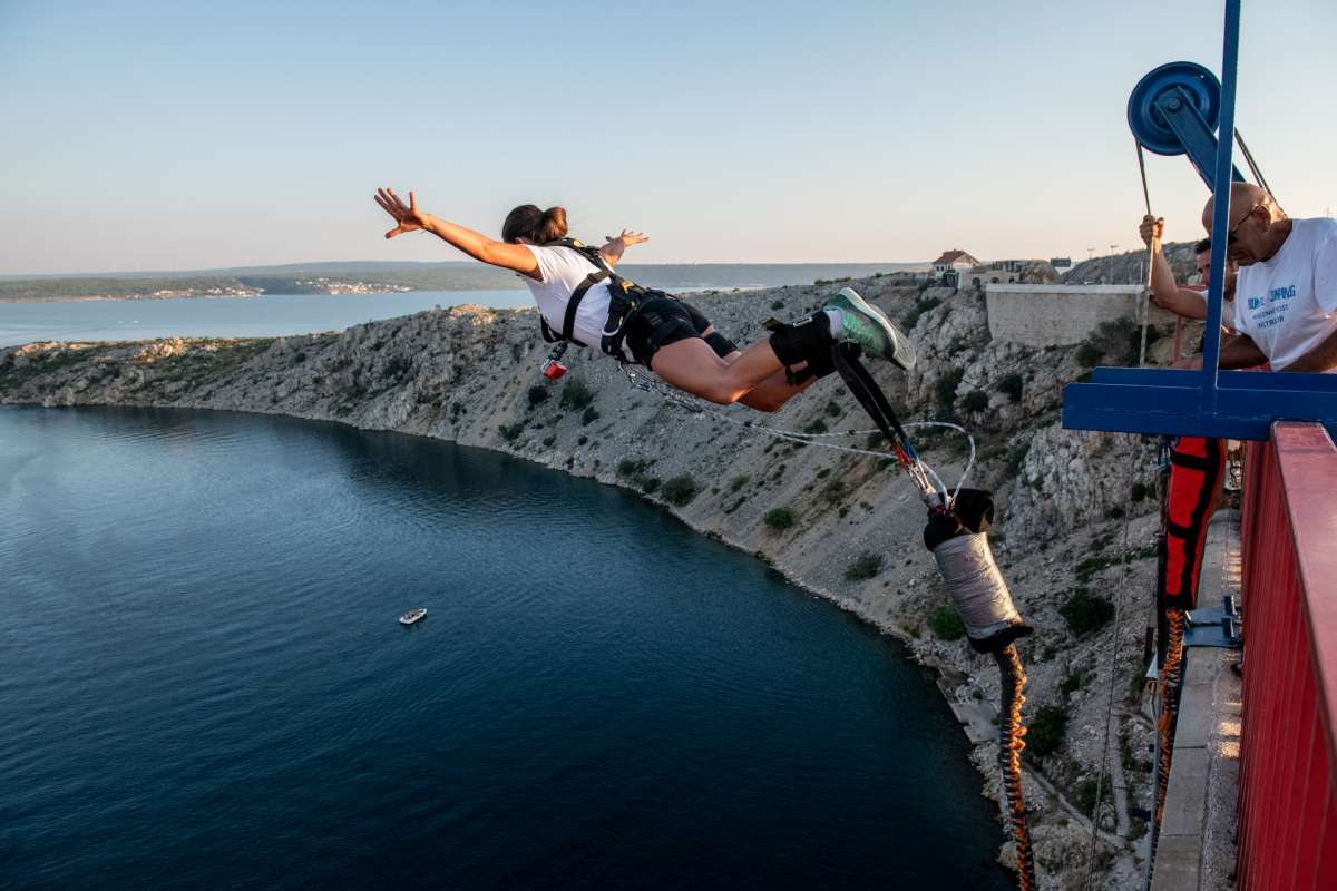 Bungee jumping Maslenica